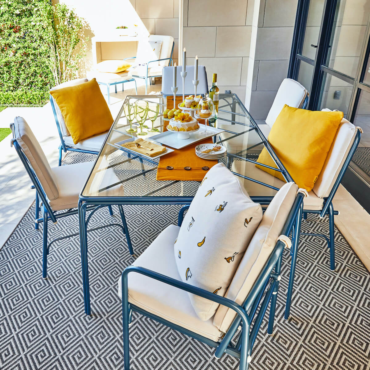 Stori Modern Fairy Tale Outdoor Dining Set in Pearl Blue with White Cushions