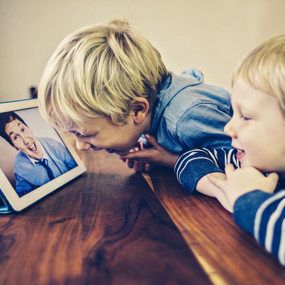 Kids chatting on facetime