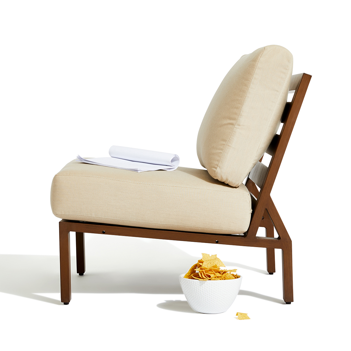 script outdoor lounge chair