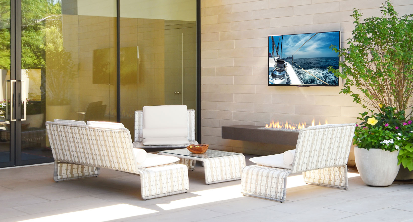 The Tabloid Collection Outdoor 6 Piece Seating Set