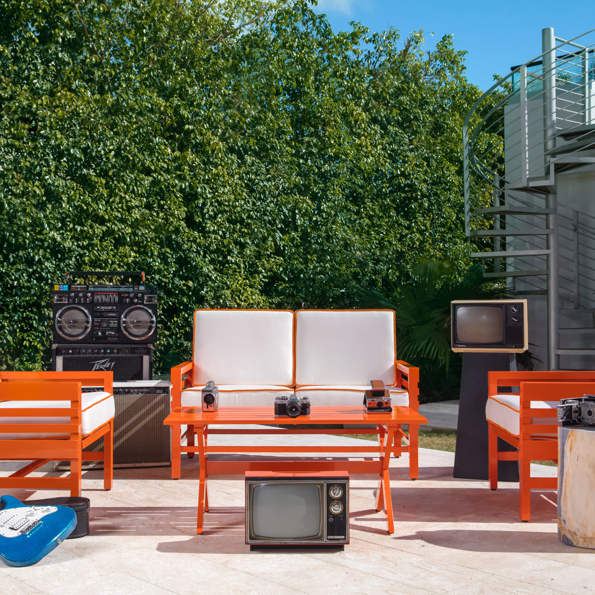 stori modern Graphic patio set